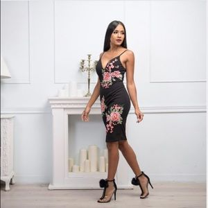 Dresses & Skirts - GO TO GIRL STYLE-Out And About Floral Dress